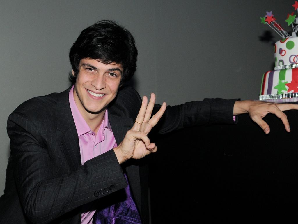 Mateus Solano na festa de lançamento da novela