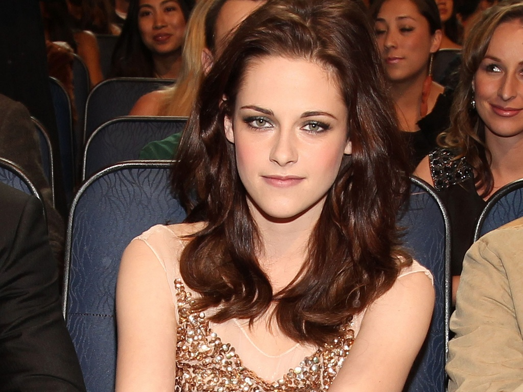 Kristen Stewart na plateia do People's Choice Awards em Los Angeles (5/1/2011)