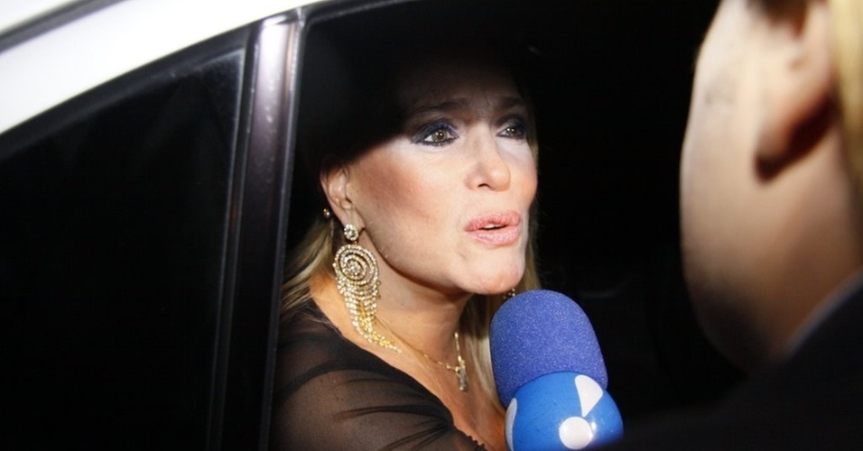 A atriz Susana Vieira assiste à estreia de