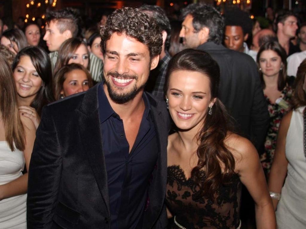 Os protagonistas da trama, Cauã Reymond e Bianca Bin, na festa de lançamento de