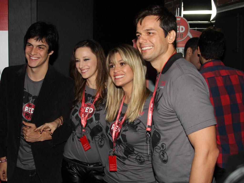 Mateus Solano, Paula Braun, Flávia Alessandra e Otaviano Costa em show do U2, em São Paulo (9/4/11)