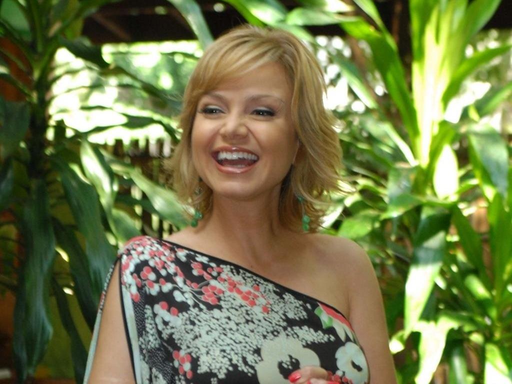 Eliana em festa do SBT em São Paulo (16/2/2011)
