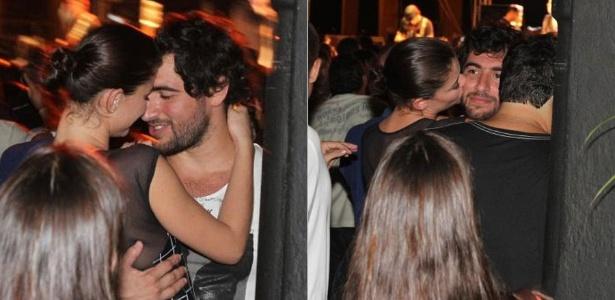 Alinne Moraes e Felipe Simão namoram durante show do Jota Quest, no Rio (28/4/2011)