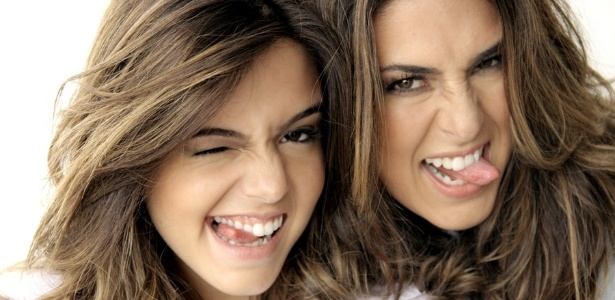 Giovanna Lancelotti posta foto ao lado de Fernanda Paes Leme (9/5/2011)