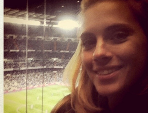 Carolina Dieckmann assiste ao jogo do Real Madrid na Europa (10/5/11)