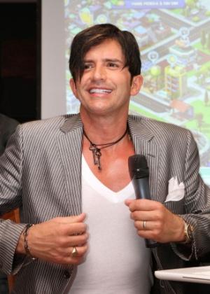 dr-rey-vai-a-lancamento-do-jogo-rio-cidade-maravilhosa-em-um-hotel-na-zona-sul-do-rio-1152011-1305230310312_300x420.jpg