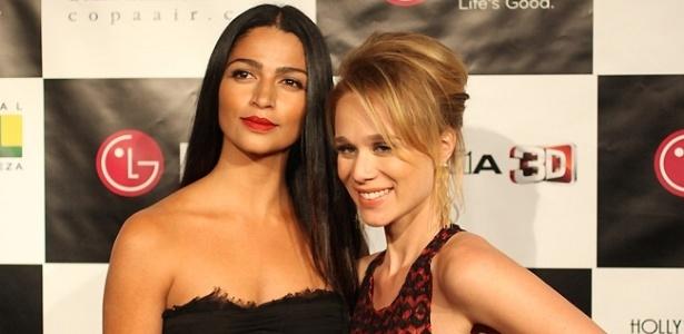 Da esquerda para a direita, a modelo Camila Alves e a atriz Mariana Ximenes no no tapete vermelho do Hollywood Brazilian Film Festival, em Los Angeles (1/6/2011)