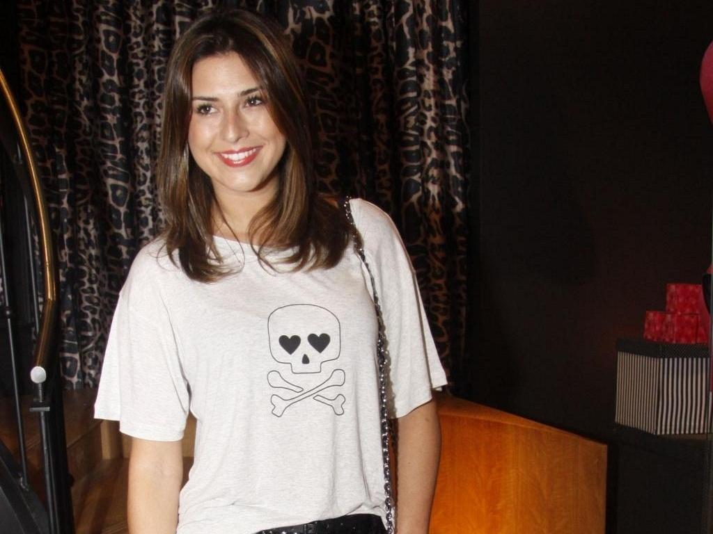 Fernanda Paes Leme vai à abertura de loja de moda íntima no Leblon, na zona sul carioca (2/6/2011)