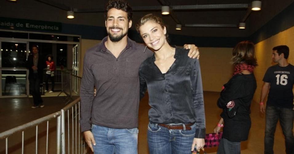 Cauã Reymond e Grazi Massafera vão ao show de Jack Johnson no Rio (5/6/2011)