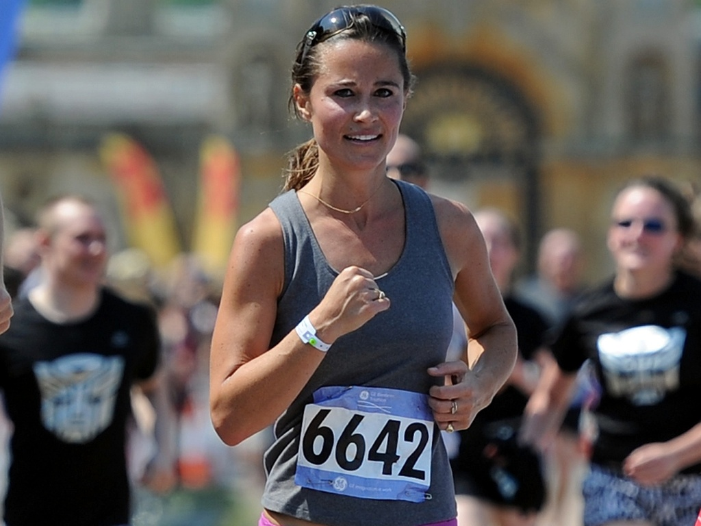 Pippa Middleton corre na GE Blenheim Triathlon, em Woodstook, Inglaterra (4/6/2011)