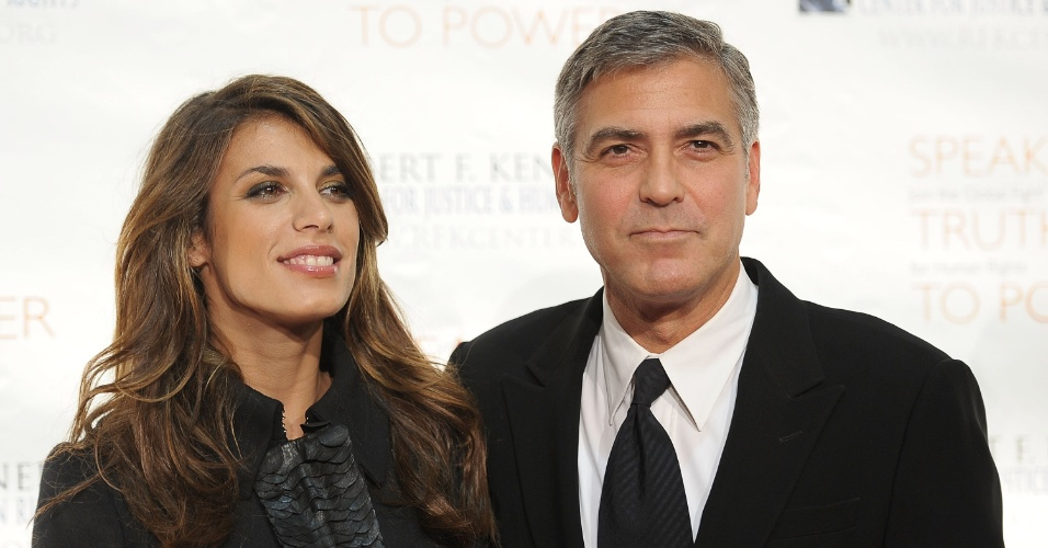 Elisabetta Canalis e George Clooney no evento Justice & Human Rights Ripple of Hope em Nova York (17/11/2010)