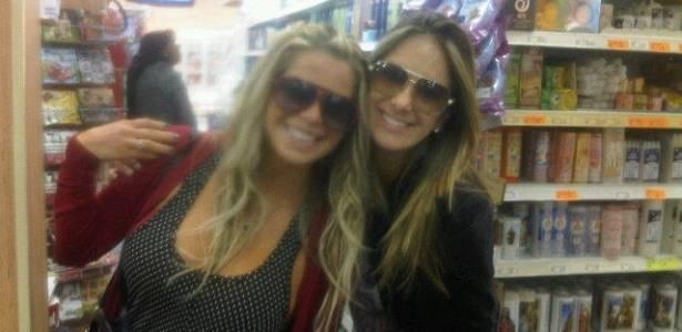 Karina Bacchi e Ticiane Pinheiro se encontram em supermercado de São Paulo (23/6/11)