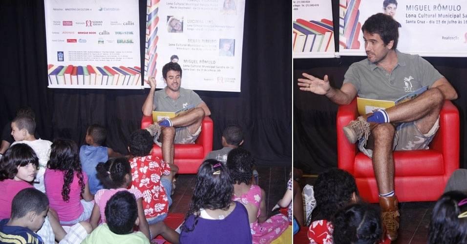 Eriberto Leão conta histórias para crianças no Rio de Janeiro (26/6/11)