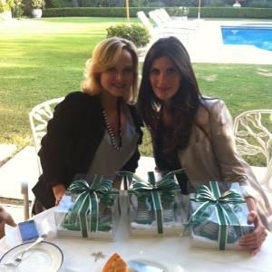 Eliana visita a casa da apresentadora Isabela Fiorentino (22/6/2011)