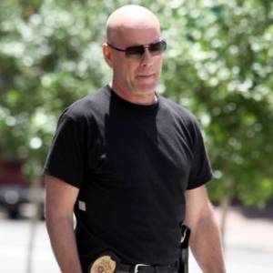 Bruce Willis grava cenas do filme