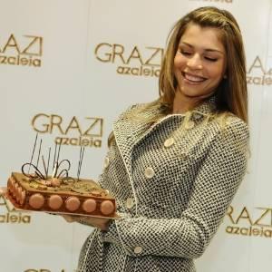 Grazi Massafera comemora seu aniversário durante a Francal (Feira Internacional da Moda em Calçados e Acessórios), em São Paulo. A atriz completou 29 anos nesta quarta-feira (28) (28/6/11)