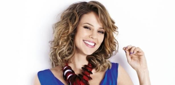 Paola Oliveira posa para a capa da revista Claudia de julho