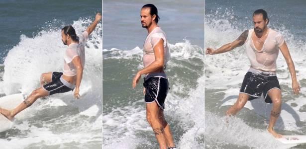 Paulo Vilhena surfa na Prainha, na zona oeste do Rio de Janeiro (30/6/2011)