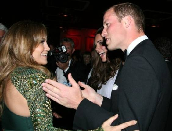 Jennifer Lopez conversa com William e Kate no Bafta, evento de gala do cinema (9/7/2011)