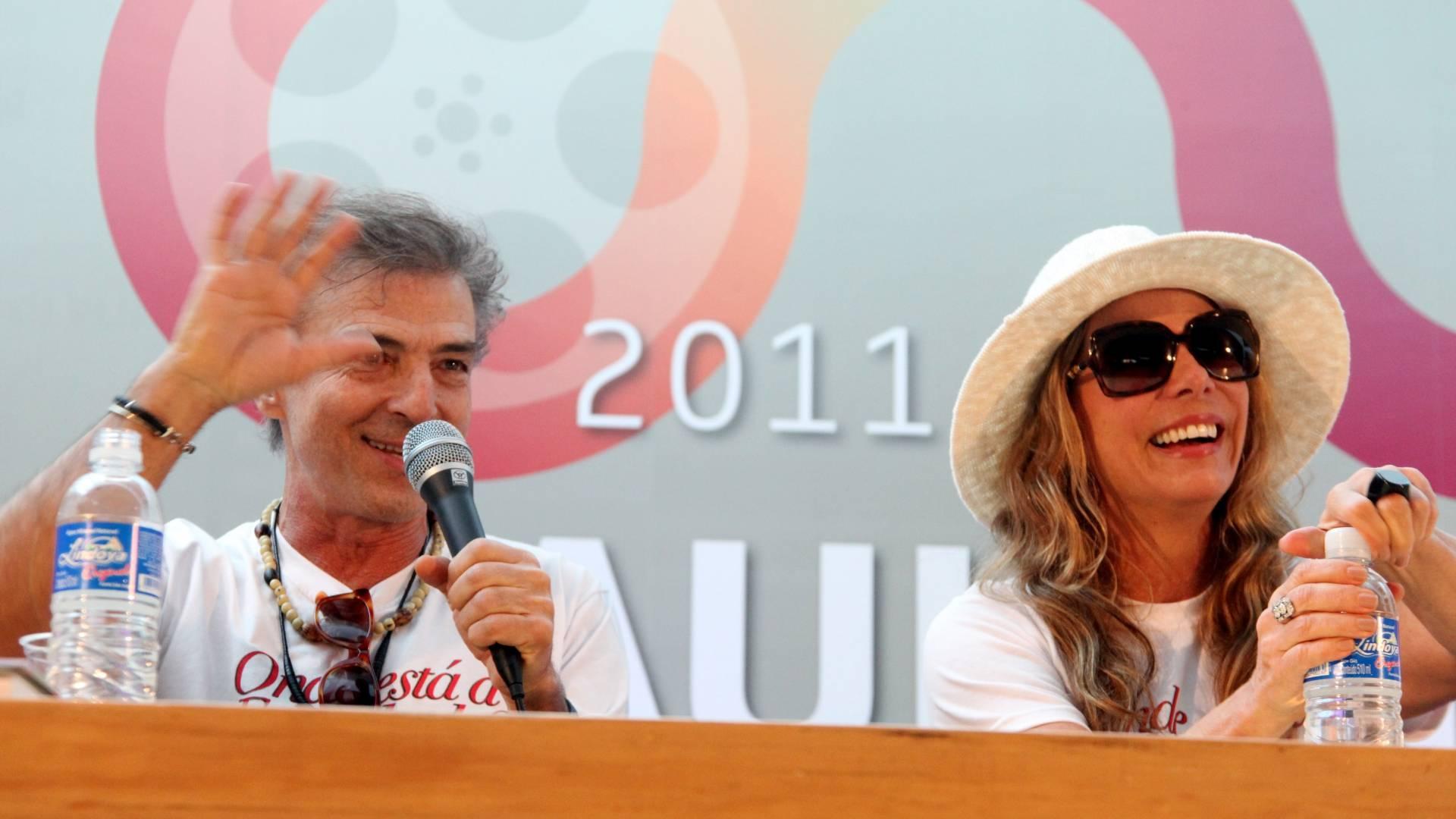 O casal Carlos Alberto Riccelli e Bruna Lombardi participam do debate sobre o filme