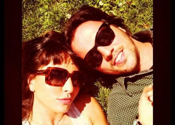 Sabrina Sato e Fábio Faria na Inglaterra (29/7/2011)