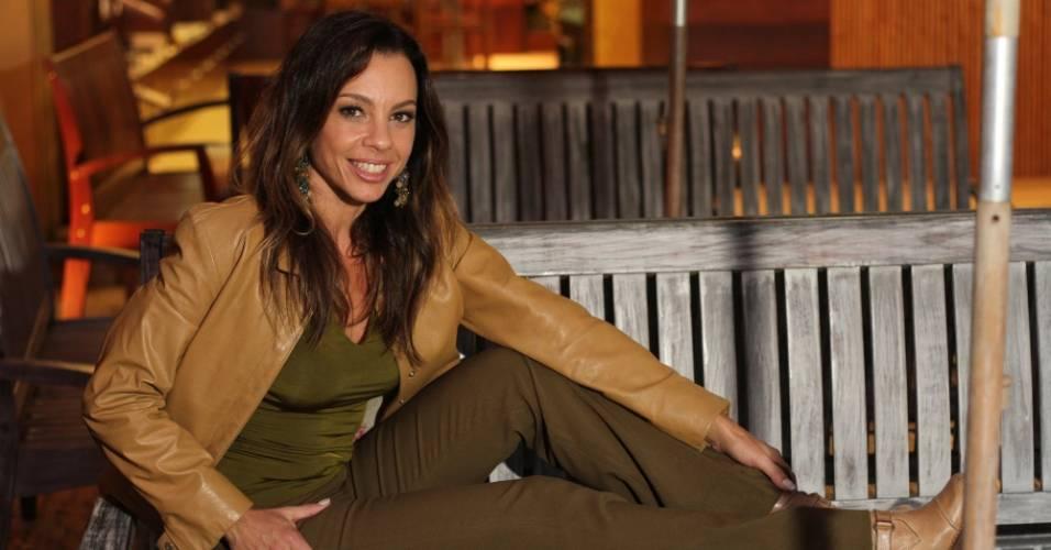 Carla Marins posa no restaurante Balada Mix, na Barra da Tijuca, na zona oeste do Rio de Janeiro (1/8/11)