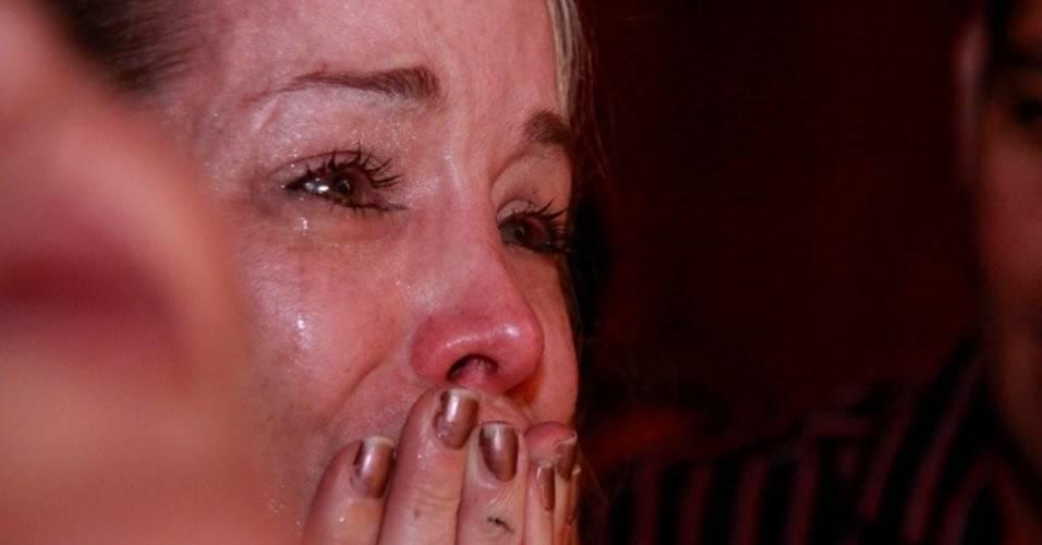 Atriz Danielle Winits se emociona com o musical