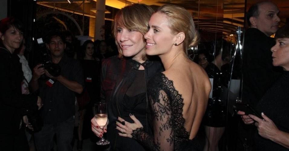 As atrizes Renata Sorrah (à esq.) e Carolina Dieckmann na festa de lançamento da novela