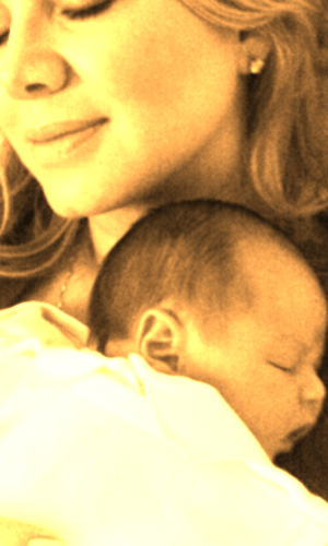 Eliana posta foto do filho recém-nascido em seu blog oficial (14/8/2011)
