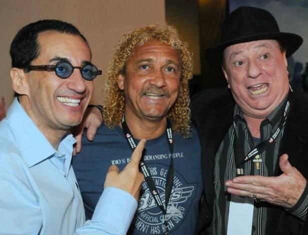 Jorge Kajuru, Biro Biro e Raul Gil se encontram no Prêmio Ginga 2011, destinado ao melhor jogador de futebol da temporada, em shopping paulista (17/8/11)