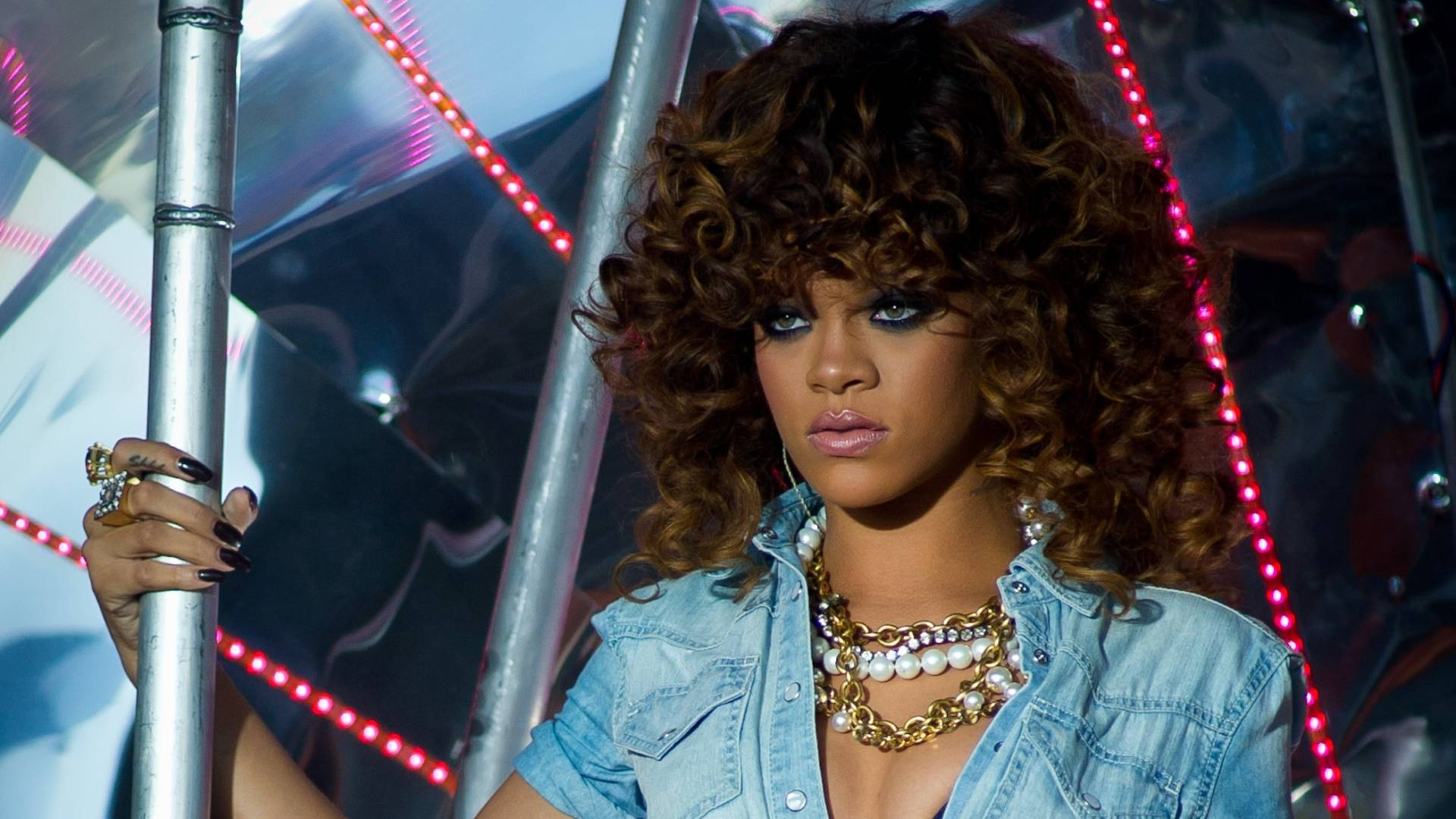 Rihanna se apresenta no V Festival em Chelmsford, Inglaterra (21/8/2011)