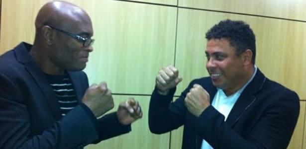 Ronaldo e Anderson Silva no aniversário de 101 anos do Corinthians