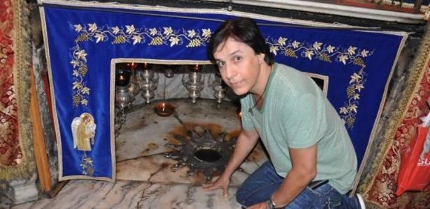 Tom Cavalcante publica foto em Jerusalém (7/9/11). O cantor humorista está lá para assistir ao show de Roberto Carlos