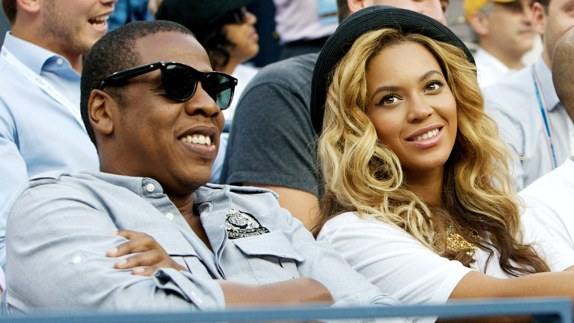 O casal de msicos Jay-Z e Beyonc assistem a final masculina do Aberto dos EUA de tnis, em Nova York, na segunda-feira (12/9/11)