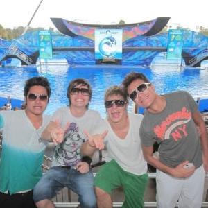 A banda Restart de férias em Orlando, Estados Unidos