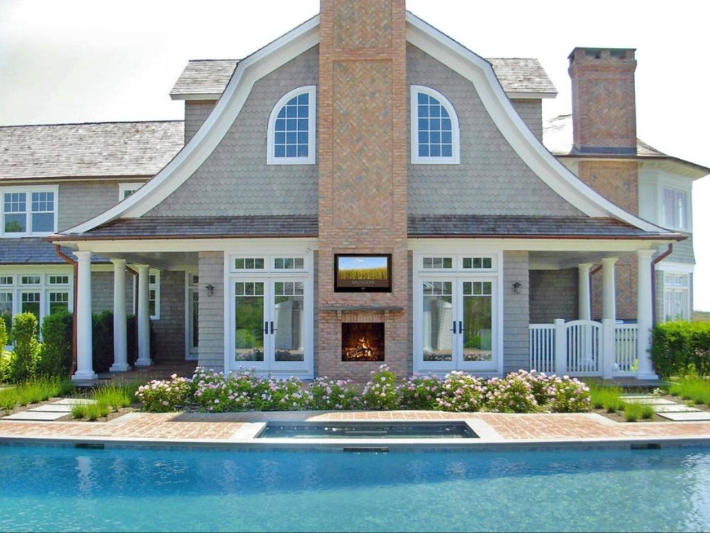 Jennifer Lopez está prestes a comprar mansão de 18 milhões de dólares, em Hamptons (23/9/11)