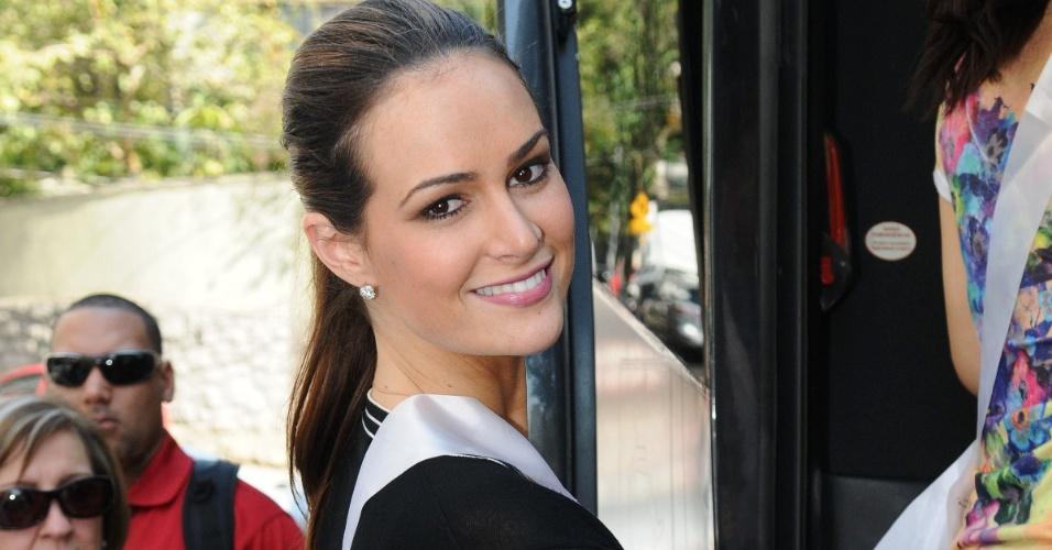 A Miss Brasil Priscila Machado saindo de almoço em São Paulo com outras misses do Miss Universo (29/8/2011)
