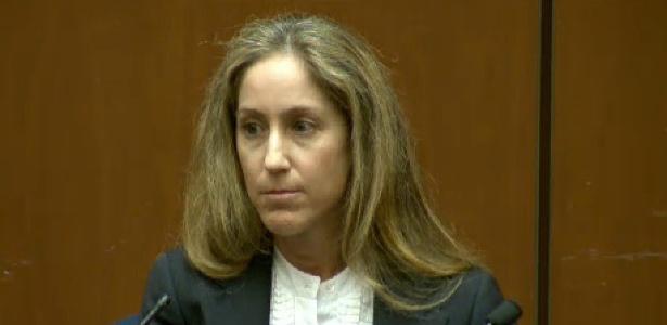 Promotoria começa a questionar a médica Rachelle Cooper, médica do Centro Médico da UCLA, hospital para onde Michael Jackson foi levado, no quarto dia do julgamento do médico Conrad Murray, no Tribunal de Los Angeles (30/9/11)