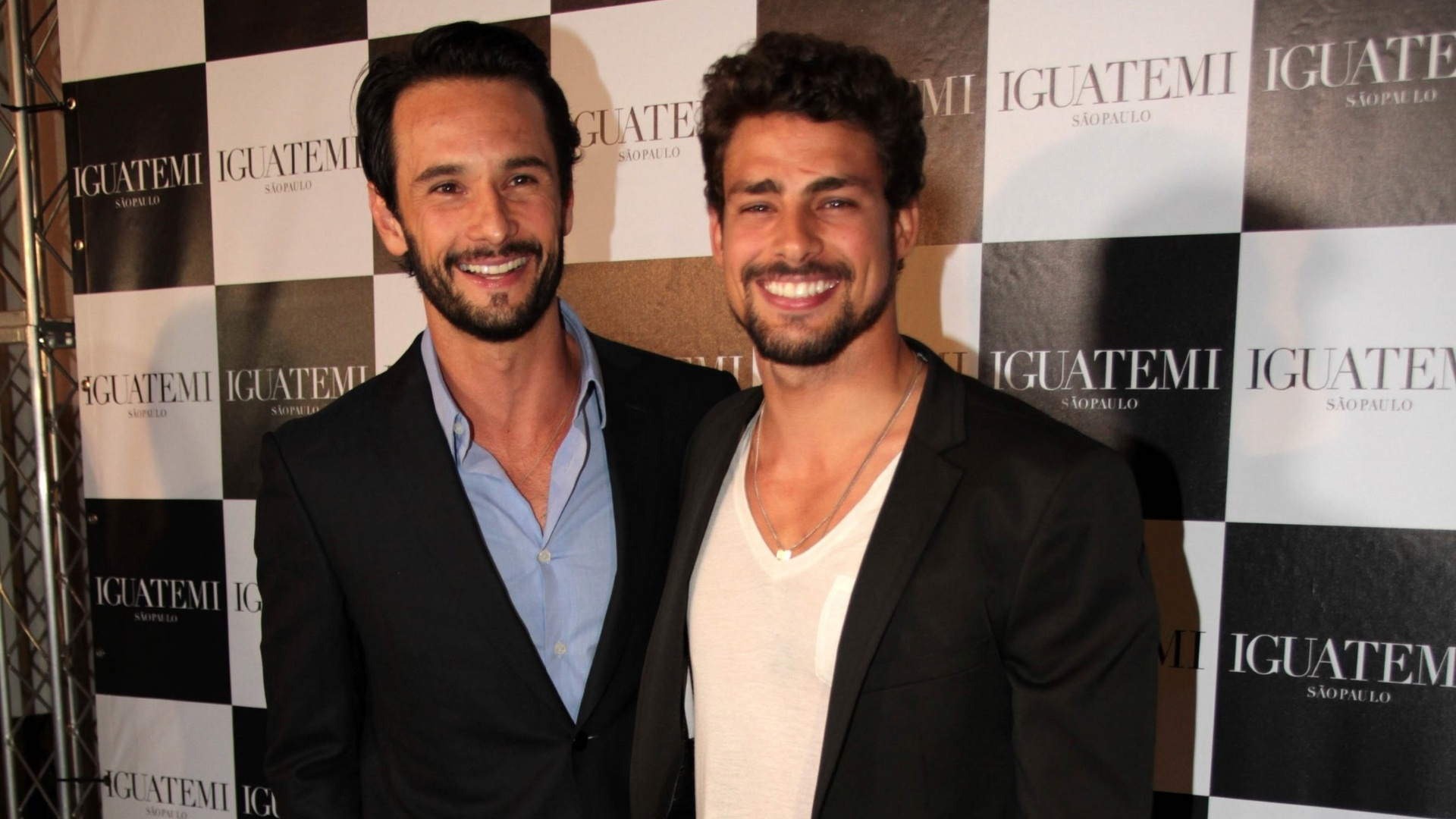 Rodrigo Santoro e Cau Reymond na pr-estreia do longa 