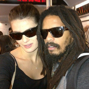Isabeli Fontana e Rohan Marley no metrô (5/10/11)