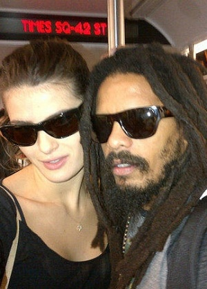 Isabeli Fontana e Rohan Marley no metr (5/10/11)