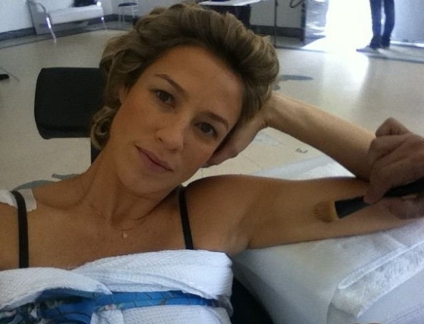 Luana Piovani posta foto cobrindo sua tatuagem para gravar 