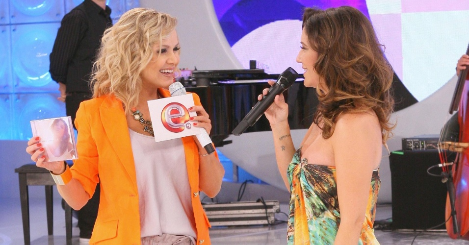Eliana recebe maria Rita no palco de seu programa, no SBT (setembro/2011)