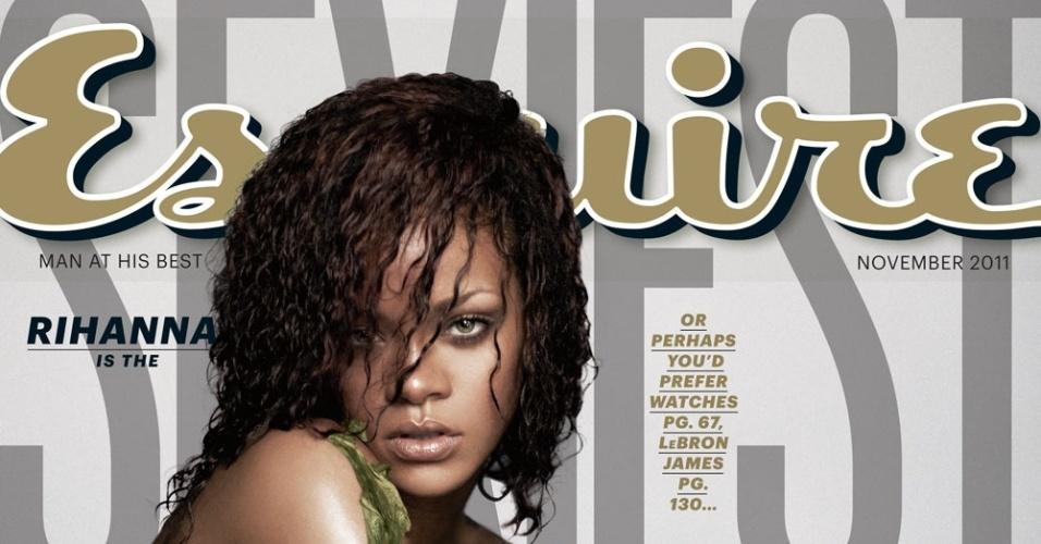 Rihanna posa nua para a capa da