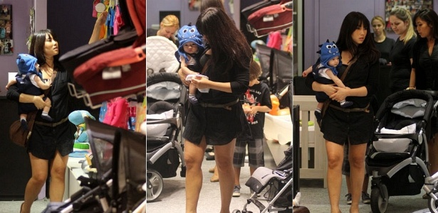 A atriz Daniele Suzuki passeia com o filho Kauai em shopping da Barra, na zona oeste do Rio de Janeiro (12/10/2011)