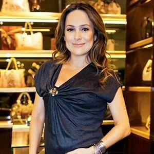 A atriz Gabriela Duarte posa para a revista