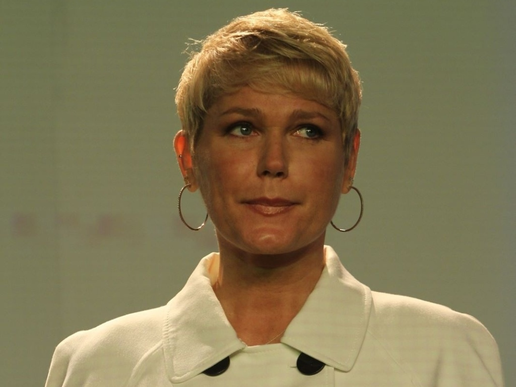 Xuxa participa de congresso contra explorao de crianas e adolescentes (19/10/2011)