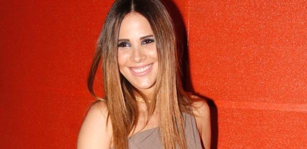 Grávida, Wanessa posa para fotos no tapete vermelho do VMB 2011 (20/10/11)