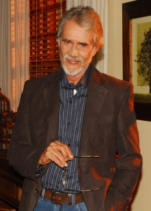 """Adriano Reys em cena da novela """"Promessas de Amor"""", da Record (2009)"""
