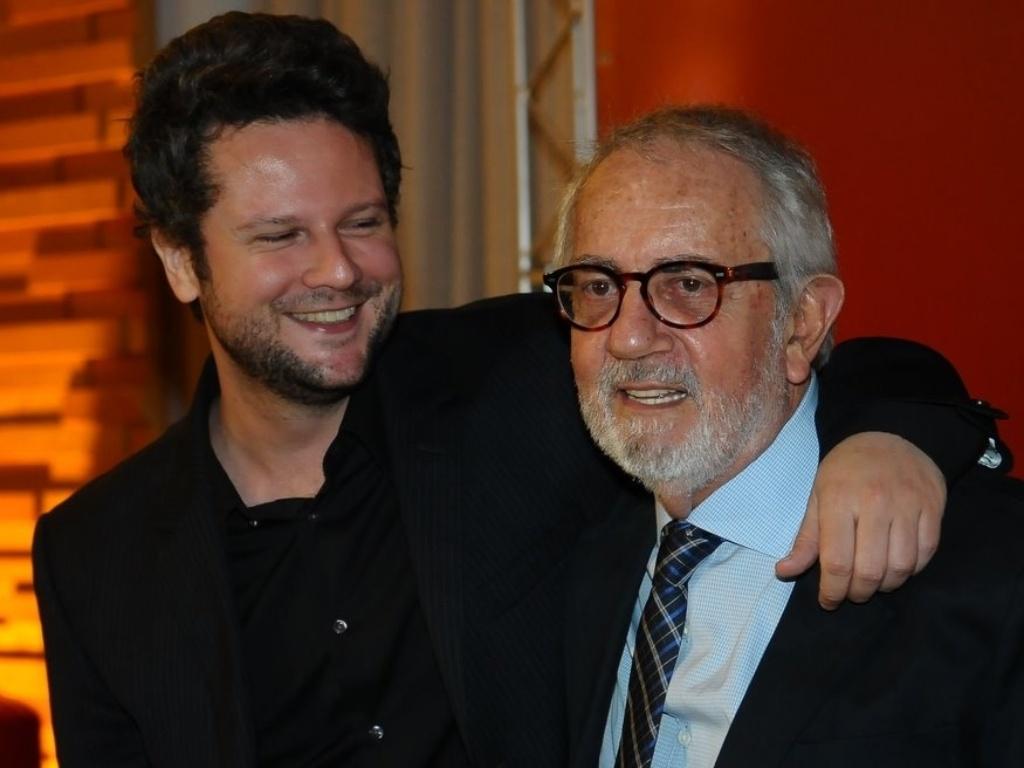 http://m.i.uol.com.br/celebridades/2011/10/25/selton-mello-e-paulo-jose-na-pre-estreia-de-o-palhaco-25102011-1319590094362_1024x768.jpg